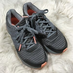 Adidas gray supernova sequence athletic shoes 6.5